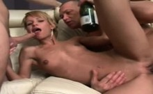 Sexy skinny blonde squirting threesome sex